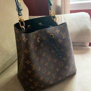 Louis Vuitton Neonoe luxury handbag
